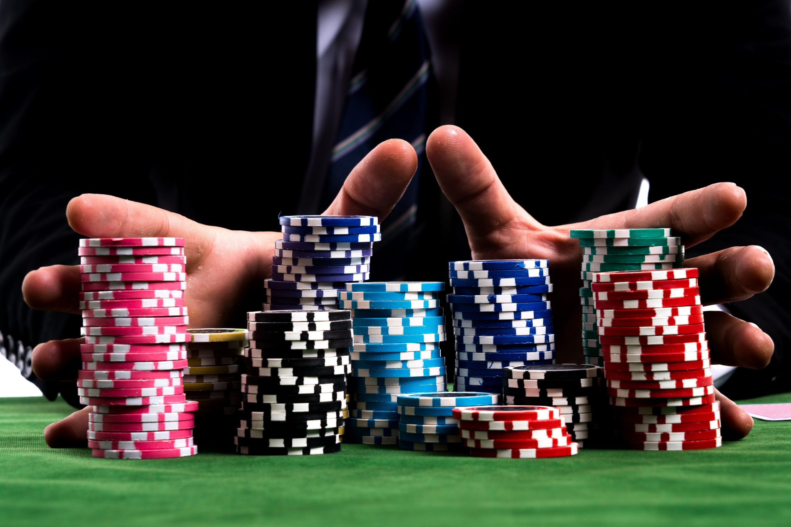The Many Benefits You Can Get from Online Gambling